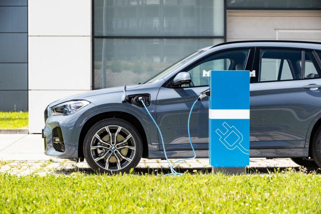 2020 BMW X1 PHEV charging