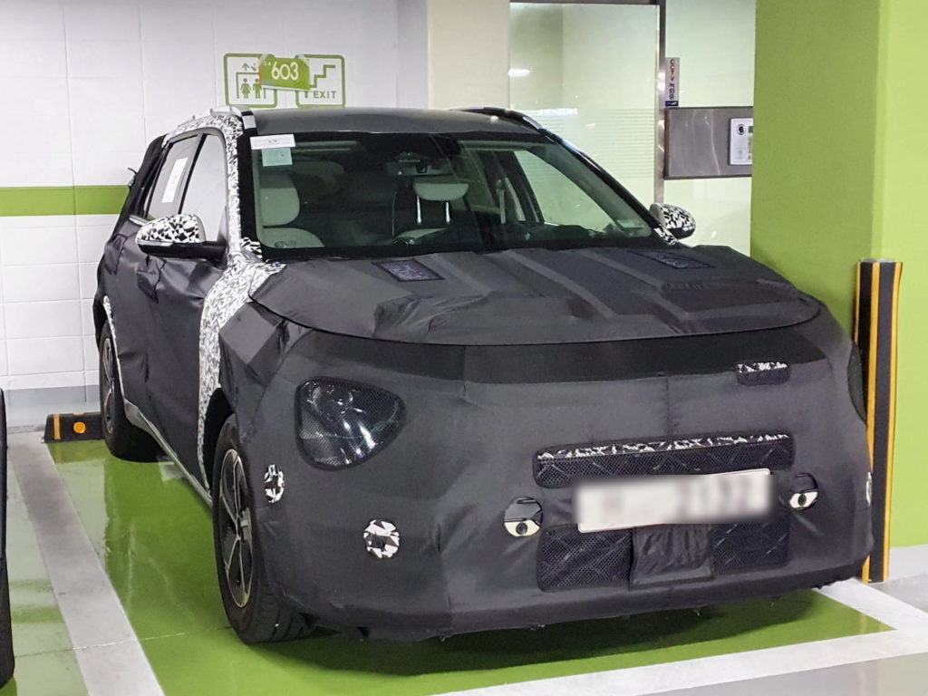 2022 Kia Niro EV (Kia SG2) front quarters spy shot