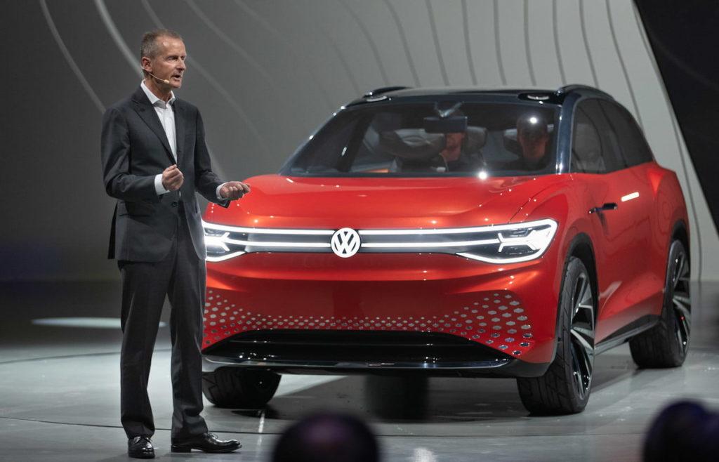 VW ID. Roomzz VW ID.6 front quarters premiere