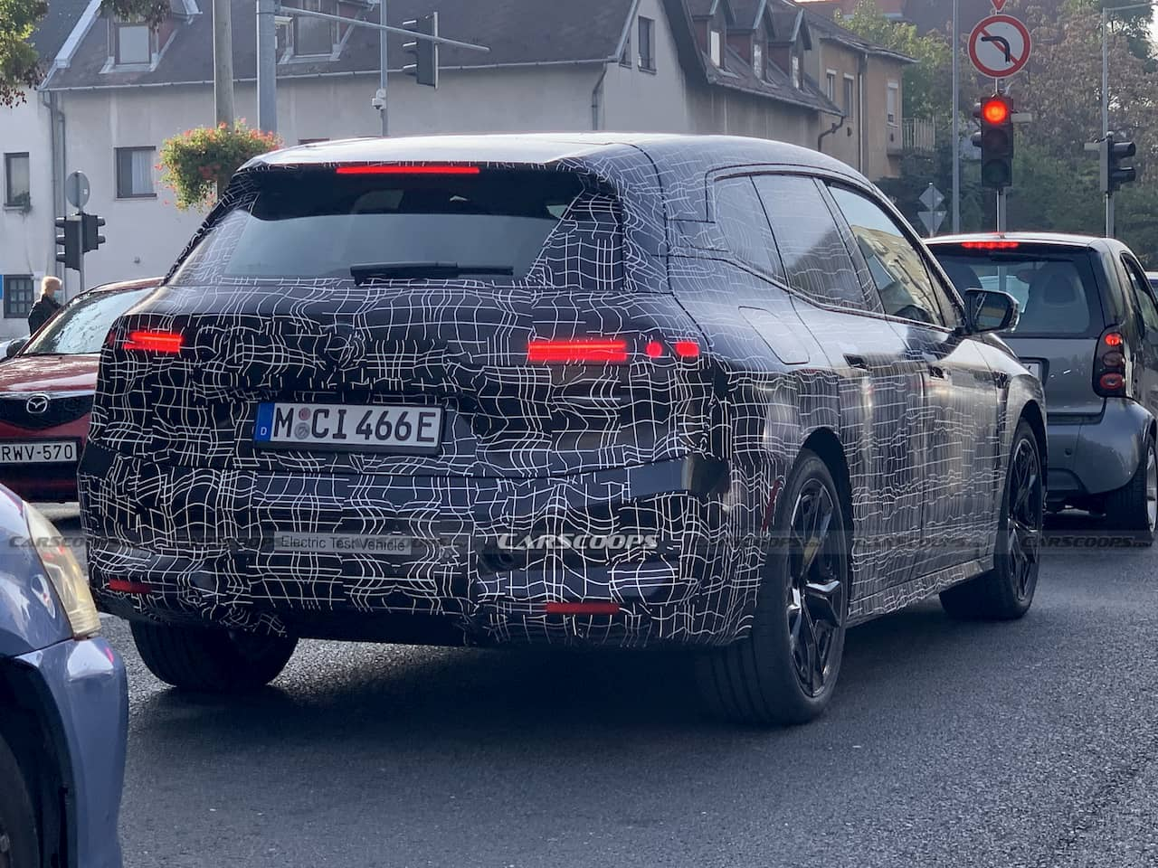 BMW iX BMW iNext spy shot