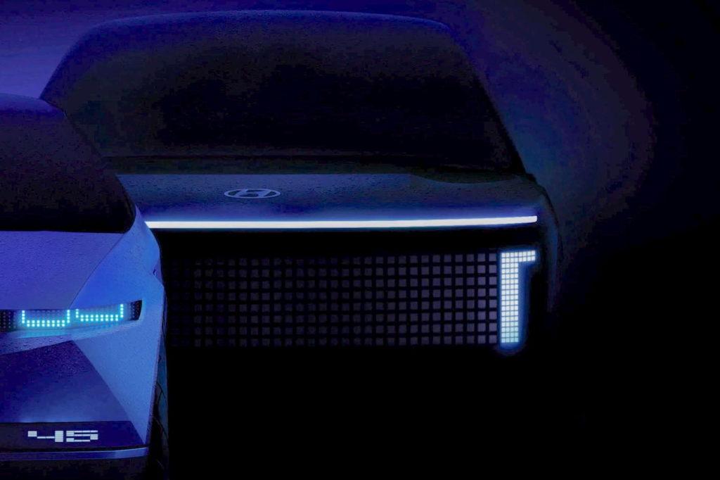 Hyundai Ioniq 7 concept teaser