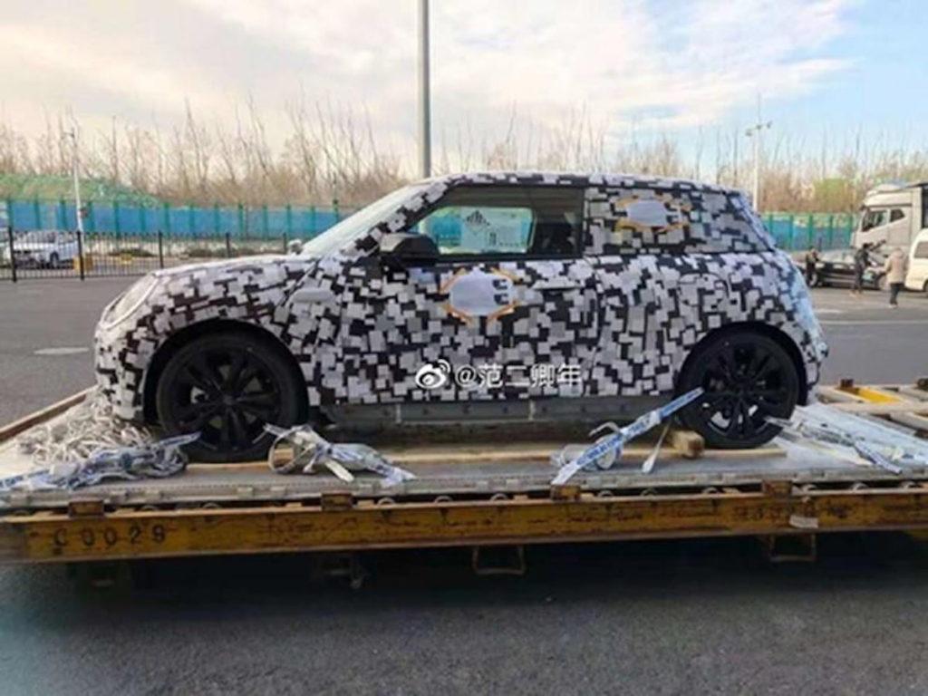 MINI electric car 2023 profile spy shot