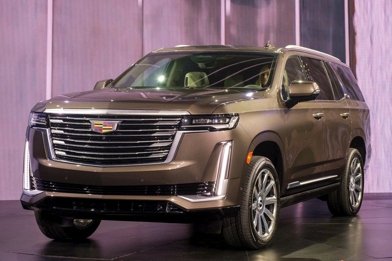 2021 Cadillac Escalade front three quarters