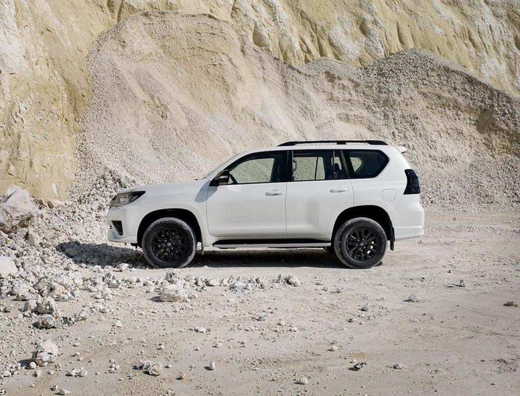 2021 Toyota Land Cruiser Prado profile