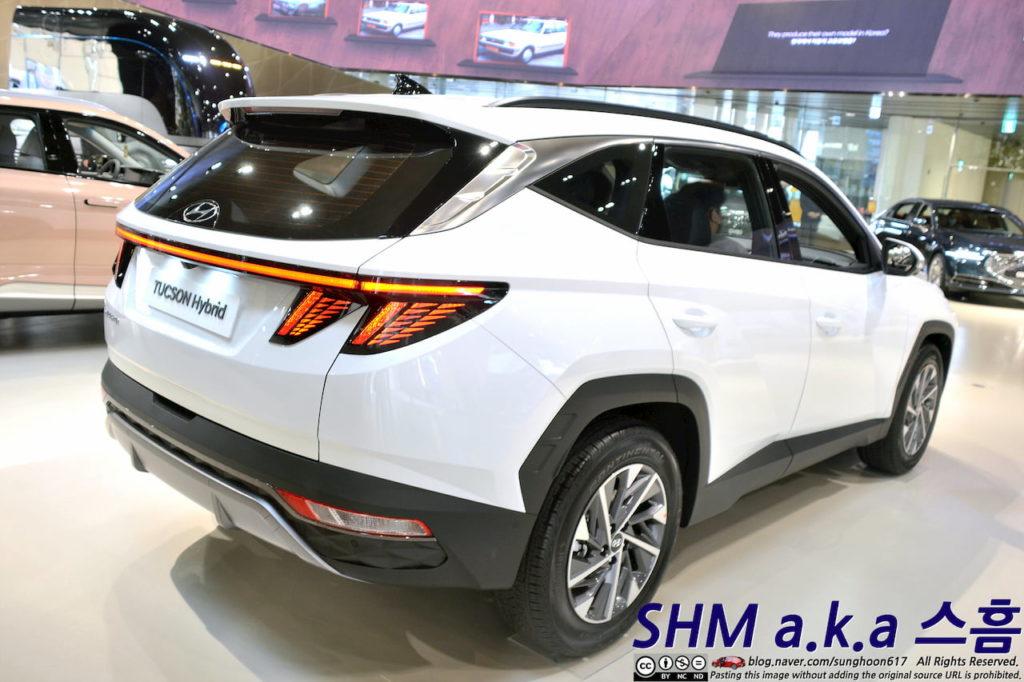 2022 Hyundai Tucson Hybrid rear three quarters Korea