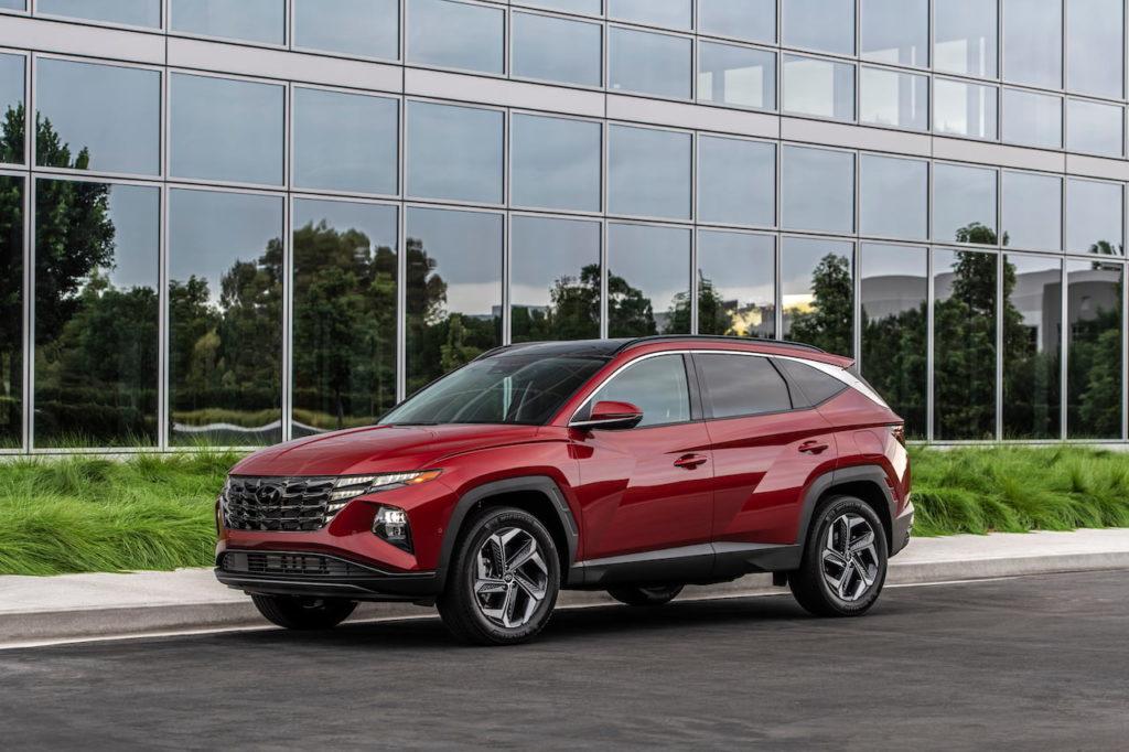 2022 Hyundai Tucson front quarters