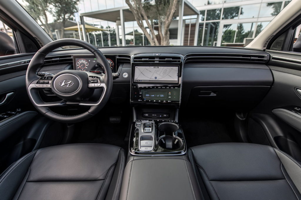 2022 Hyundai Tucson interior dashboard