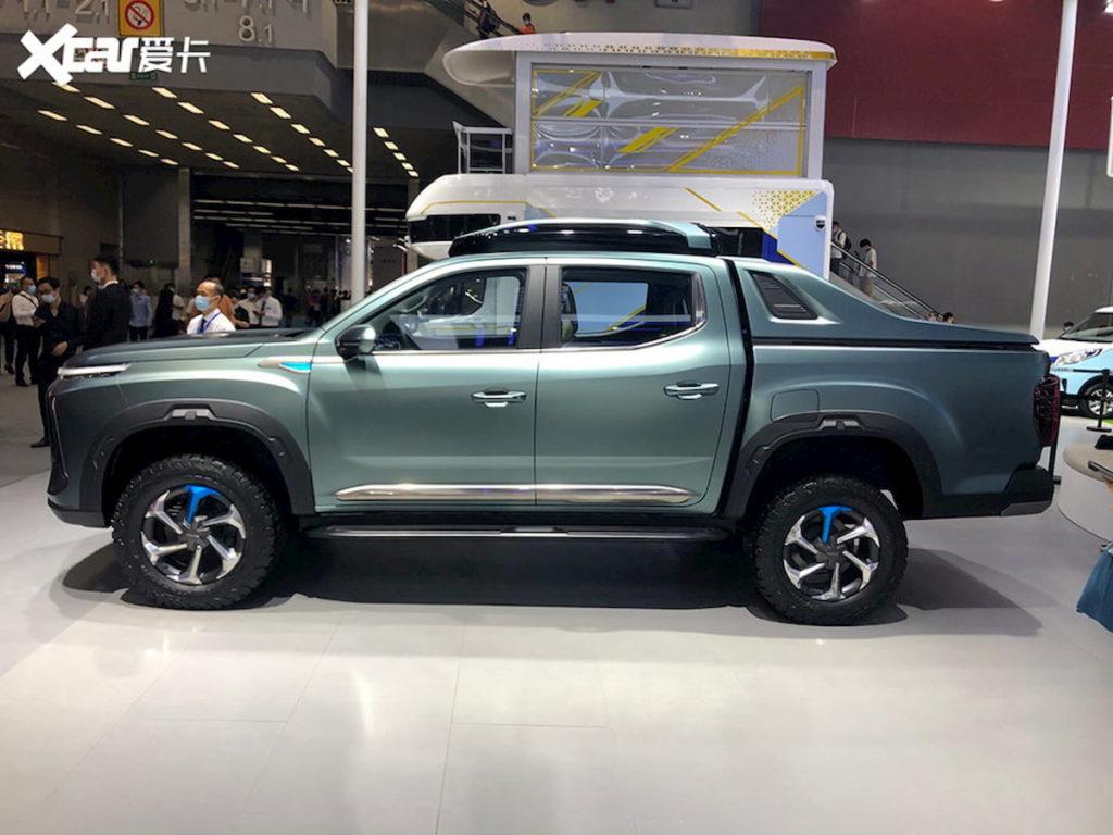 Maxus New EV pickup truck concept profile