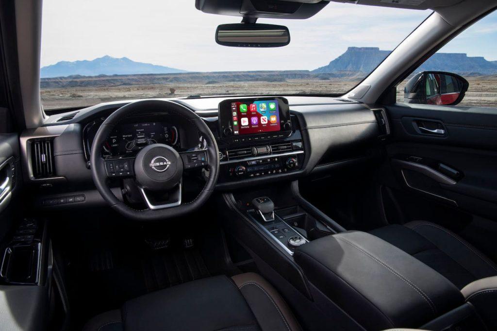 2022 Nissan Pathfinder interior dashboard