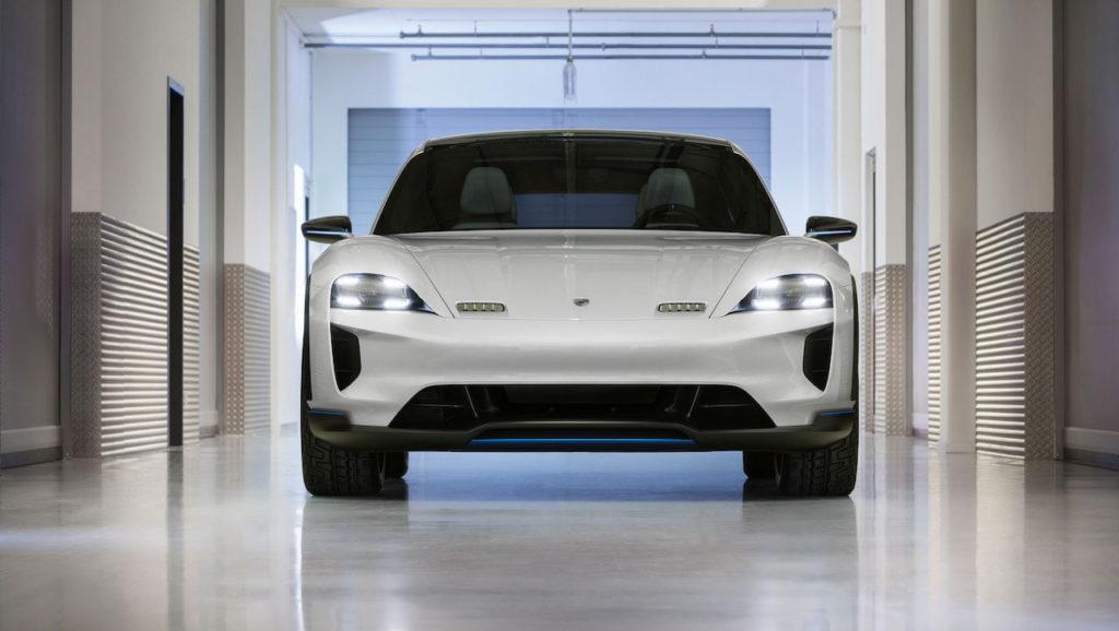 Porsche Mission E Cross Turismo front
