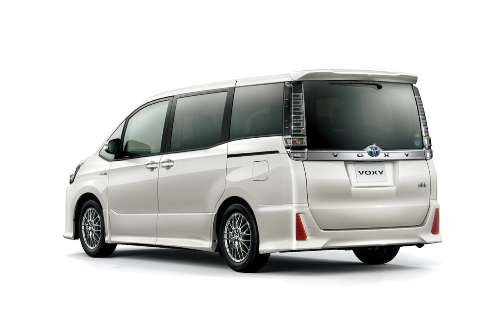 Toyota Voxy rear quarters