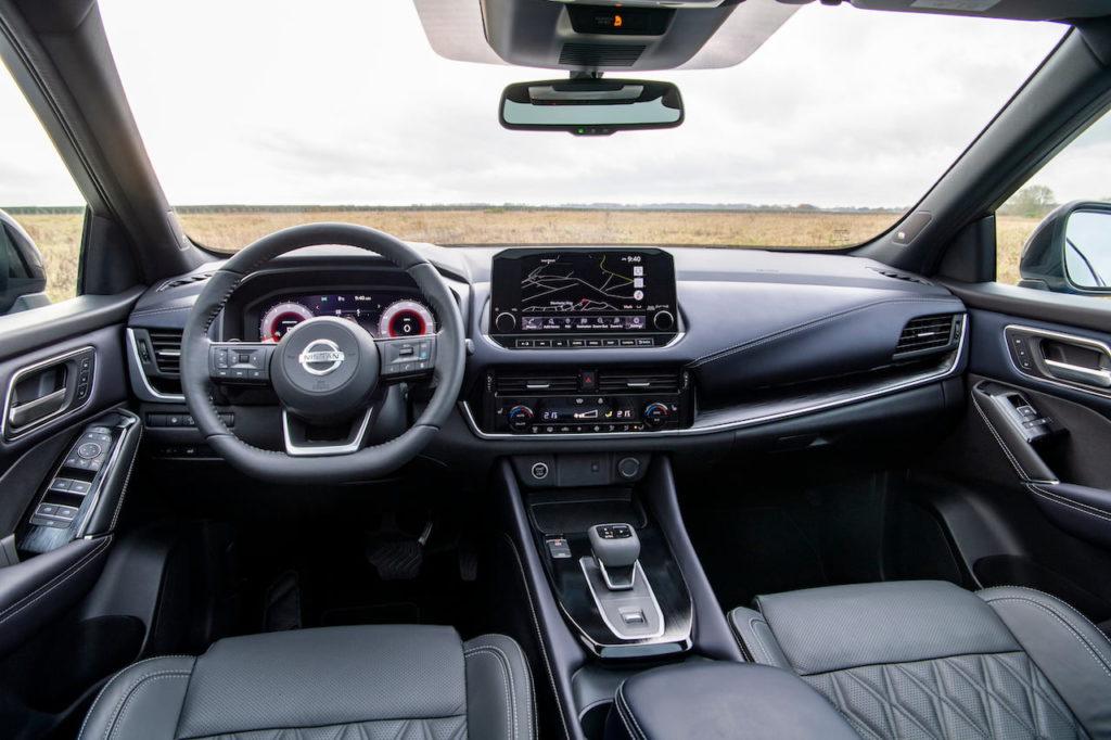 2022 Nissan Rogue Sport Qashqai interior dashboard