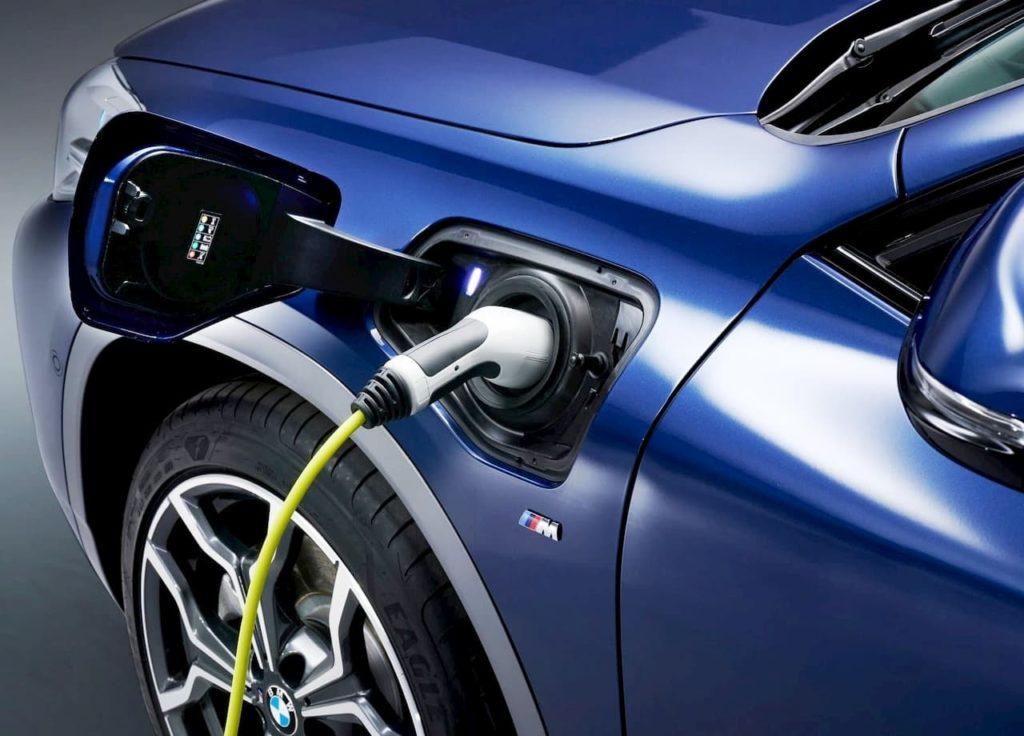 BMW X2 PHEV charging