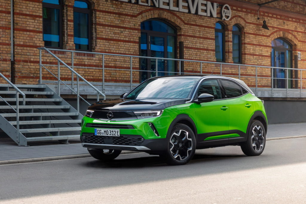 Opel Mokka-e electric front quarters