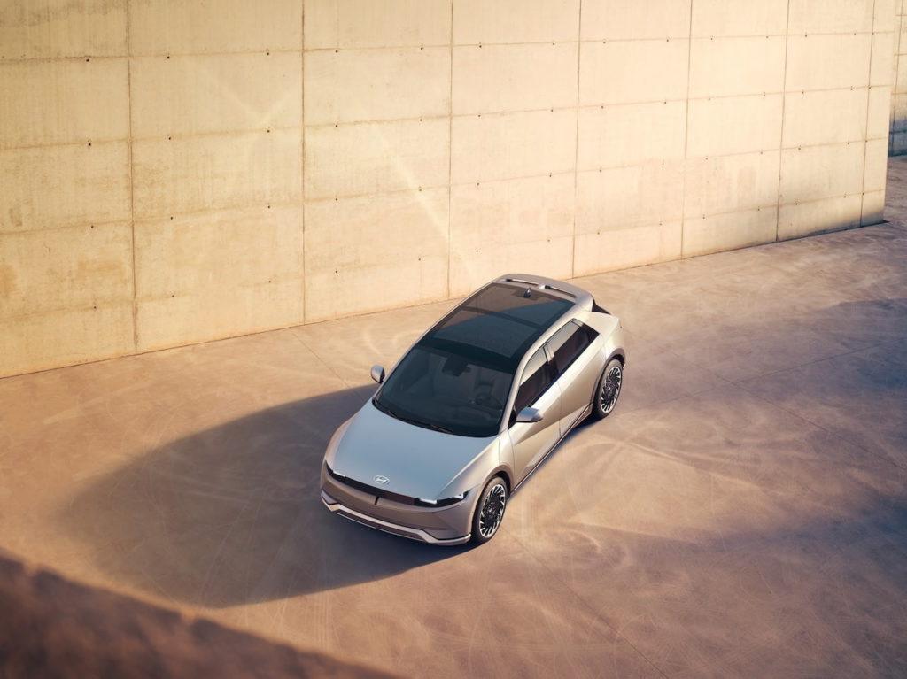 Hyundai Ioniq 5 panoramic roof top view