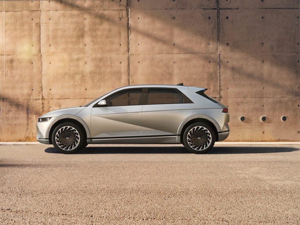 Hyundai Ioniq 5 profile side