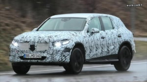 Next-gen Mercedes GLC 2022 X254 front spy shot