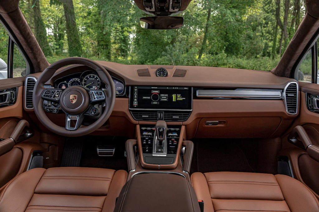 Porsche Cayenne Turbo S E-Hybrid interior dashboard
