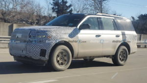 2022 Ford Expedition facelift spy shot