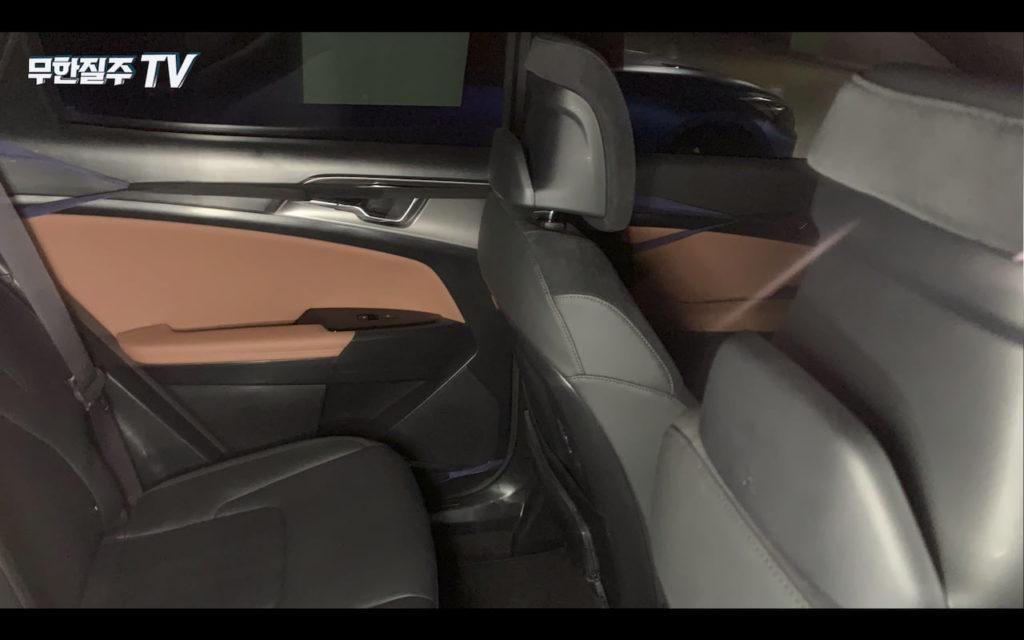 2022 Kia Sportage interior door panel spy shot