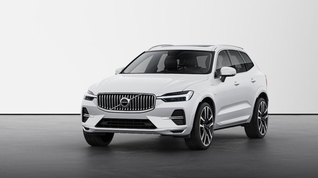 2022 Volvo XC60 facelift Inscription front quarters