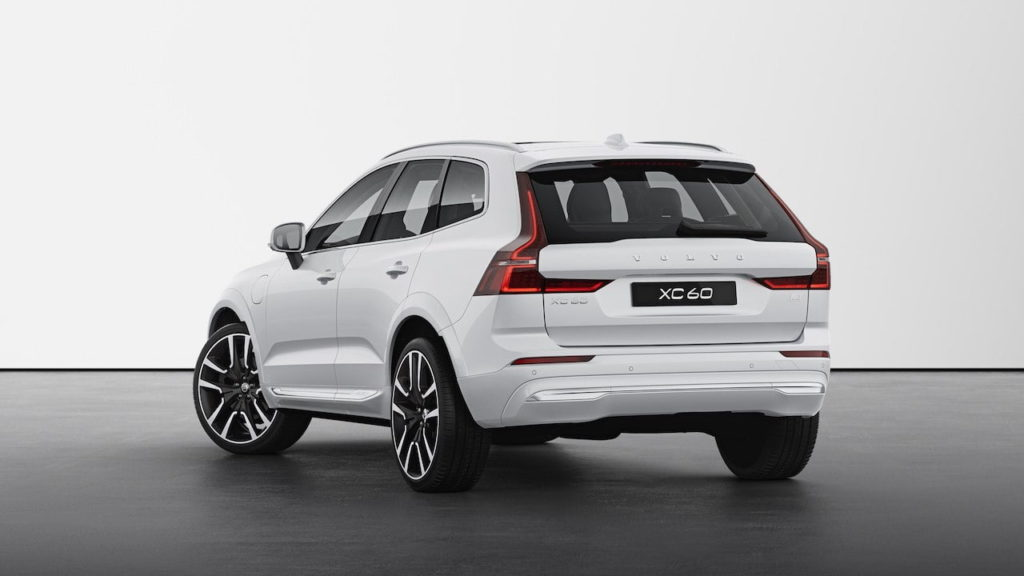 2022 Volvo XC60 facelift Inscription rear quarters