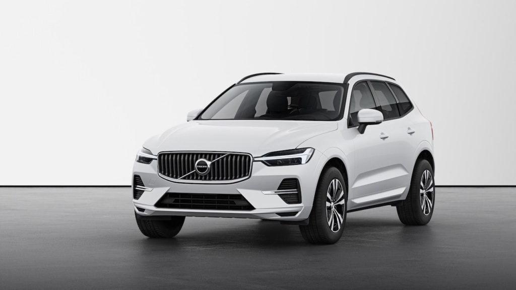 2022 Volvo XC60 facelift Momentum front quarters
