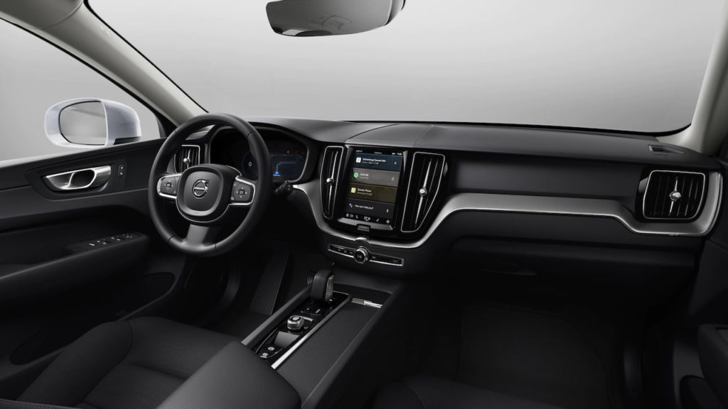 2022 Volvo XC60 facelift Momentum interior dashboard