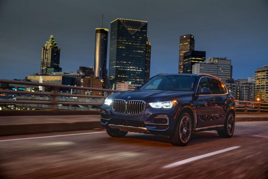 BMW X5 xDrive40i front three quarters