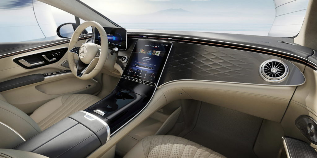 Standard EQS dashboard expected in the Mercedes EQE SUV