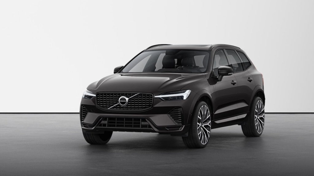 New Volvo XC60 2022 R-Design Platinum Grey front quarters