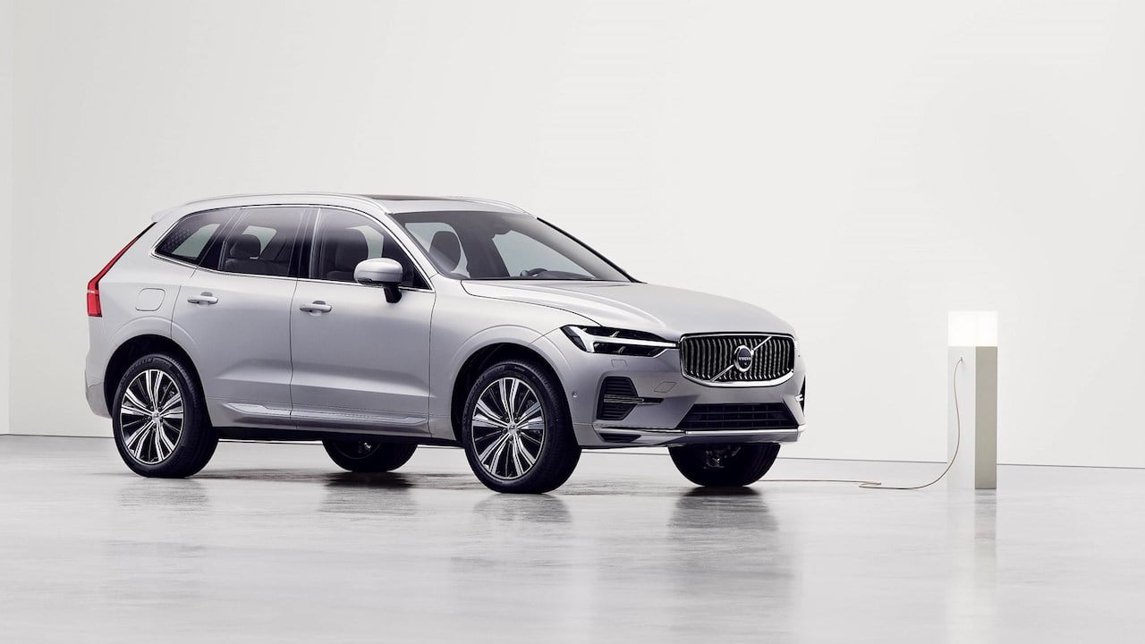 New Volvo XC60 2022 facelift PHEV charging