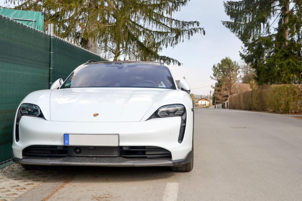 Porsche Taycan Cross Turismo front live
