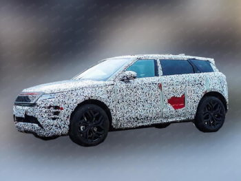 Range Rover Evoque LWB spied, likely to feature deep electrification