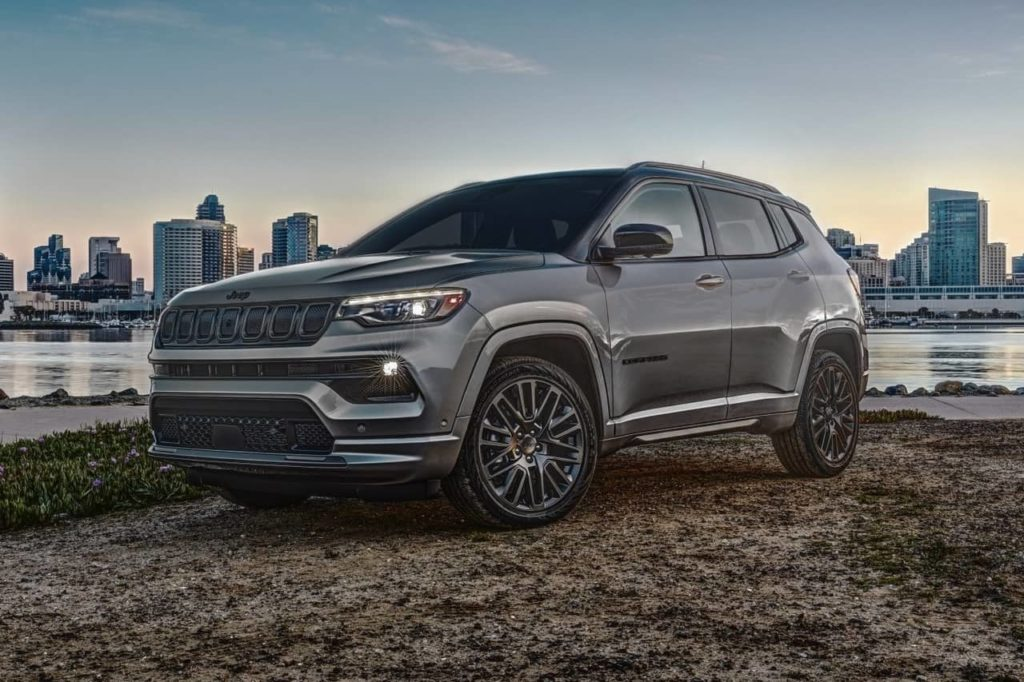 2022 Jeep Compass front three quarters