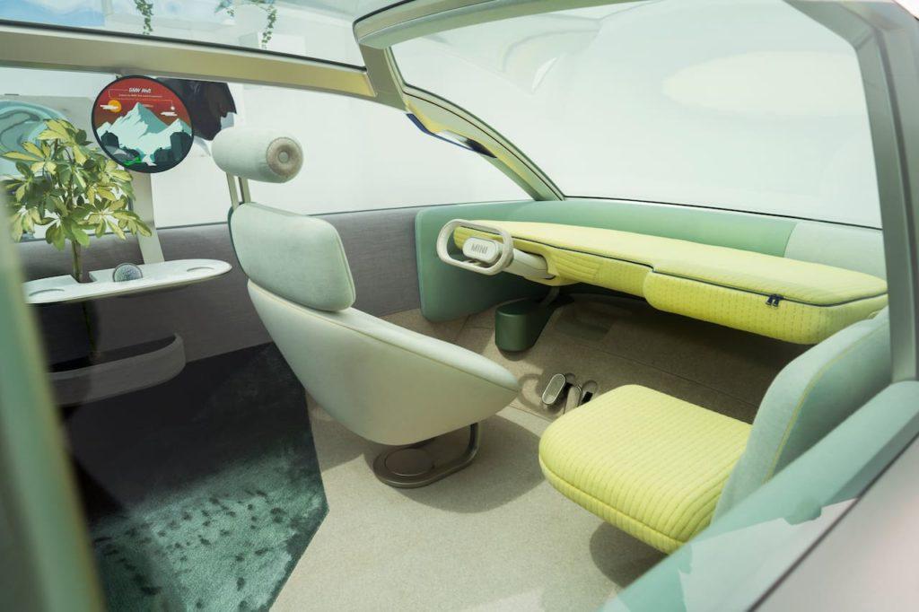 MINI Urbanaut concept interior dashboard