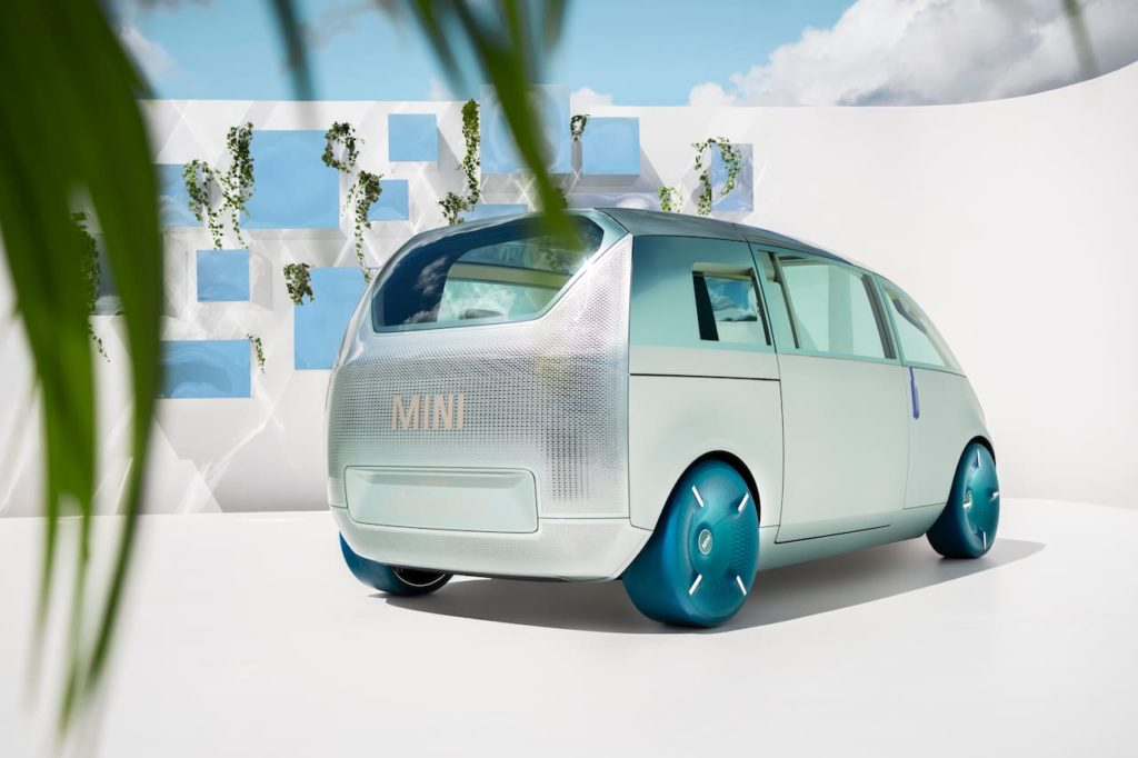 MINI Urbanaut concept rear three quarters