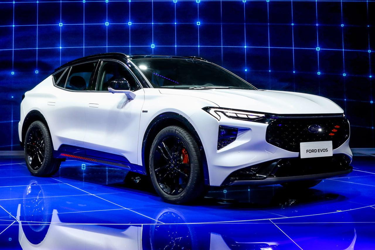 Production Ford Evos front three quarters Auto Shanghai 2021