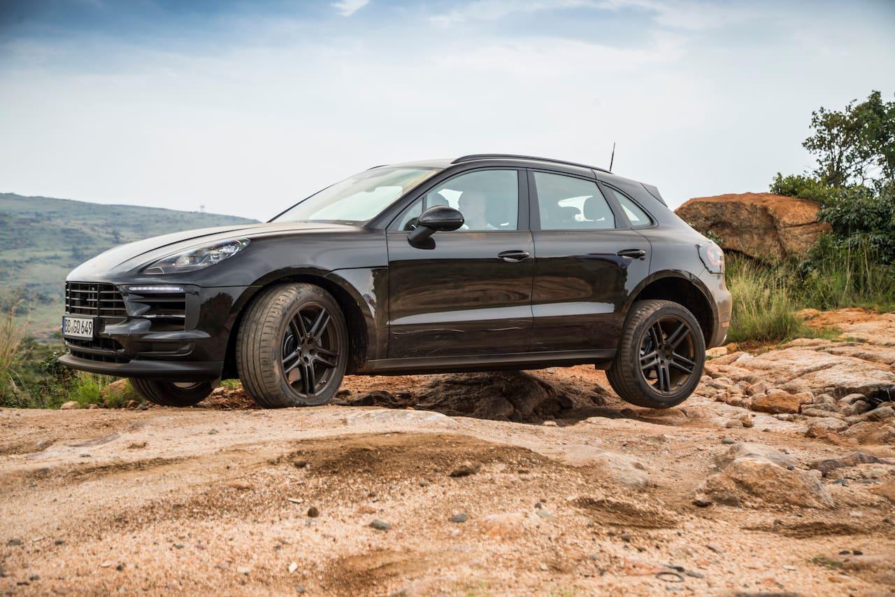 2019 Porsche Macan facelift test mule