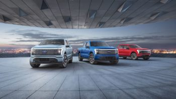 Ford F-150 Lightning indicates a 472-mile range during a test drive [Update]