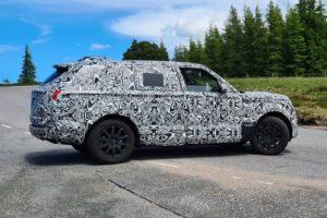 2022 Range Rover Sport side profile spy shot