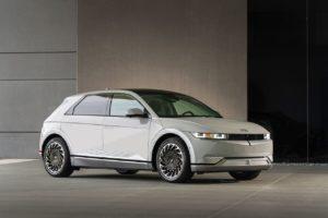 US-spec Hyundai Ioniq 5 front three quarters dynamic