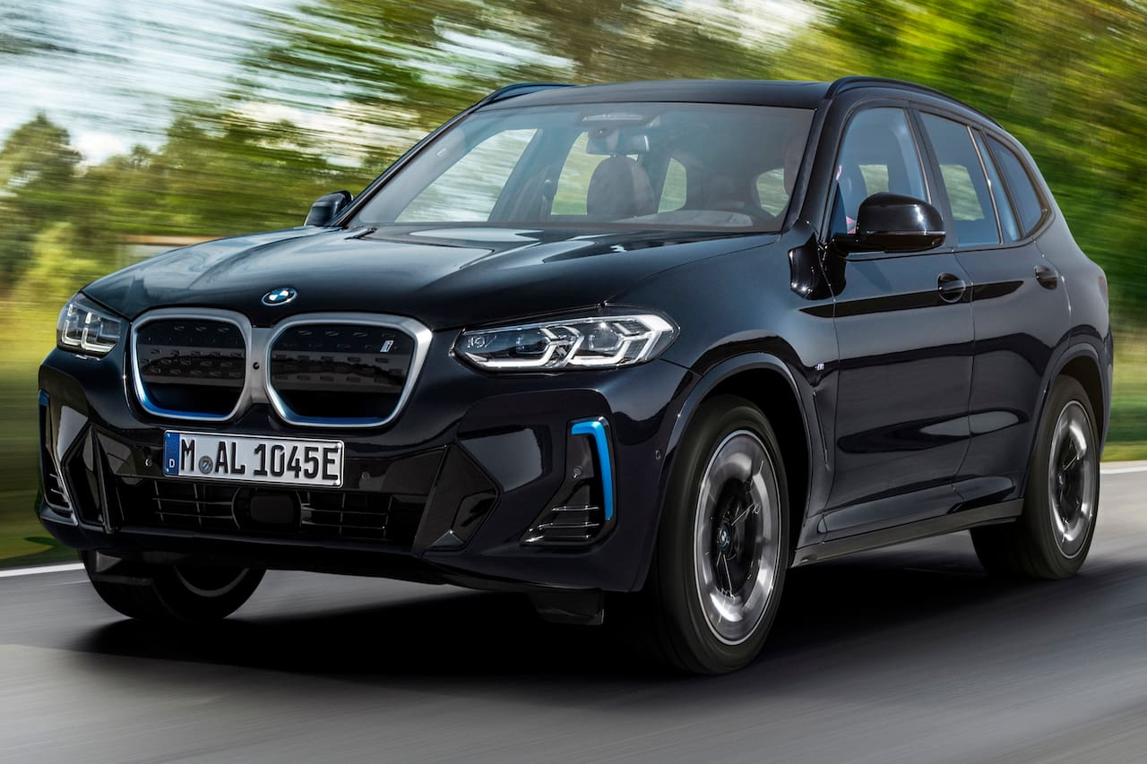 2022 BMW iX3 facelift front three quarters right side