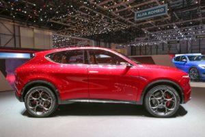 Alfa Romeo Tonale side profile