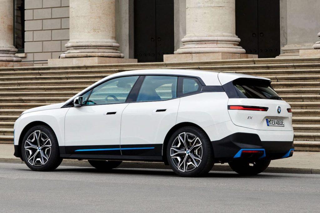 BMW iX xDrive40 rear three quarters