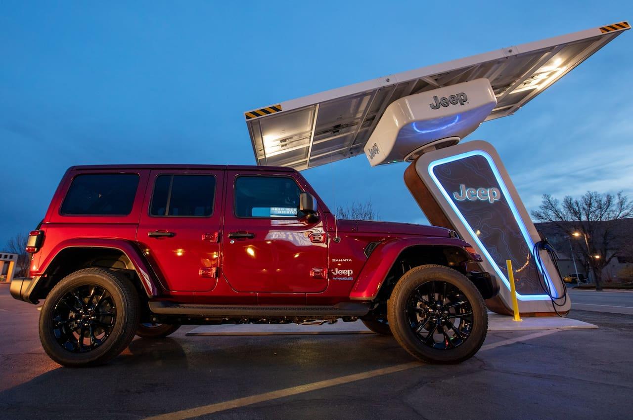 Jeep Wrangler 4xe PHEV charging
