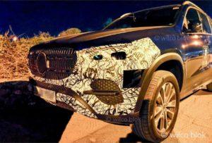 2022 Mercedes GLE facelift front fascia spy shot