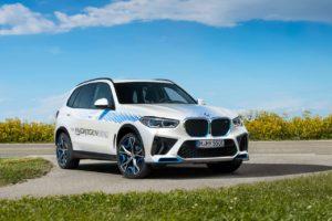 BMW iX5 Hydrogen front three quarters