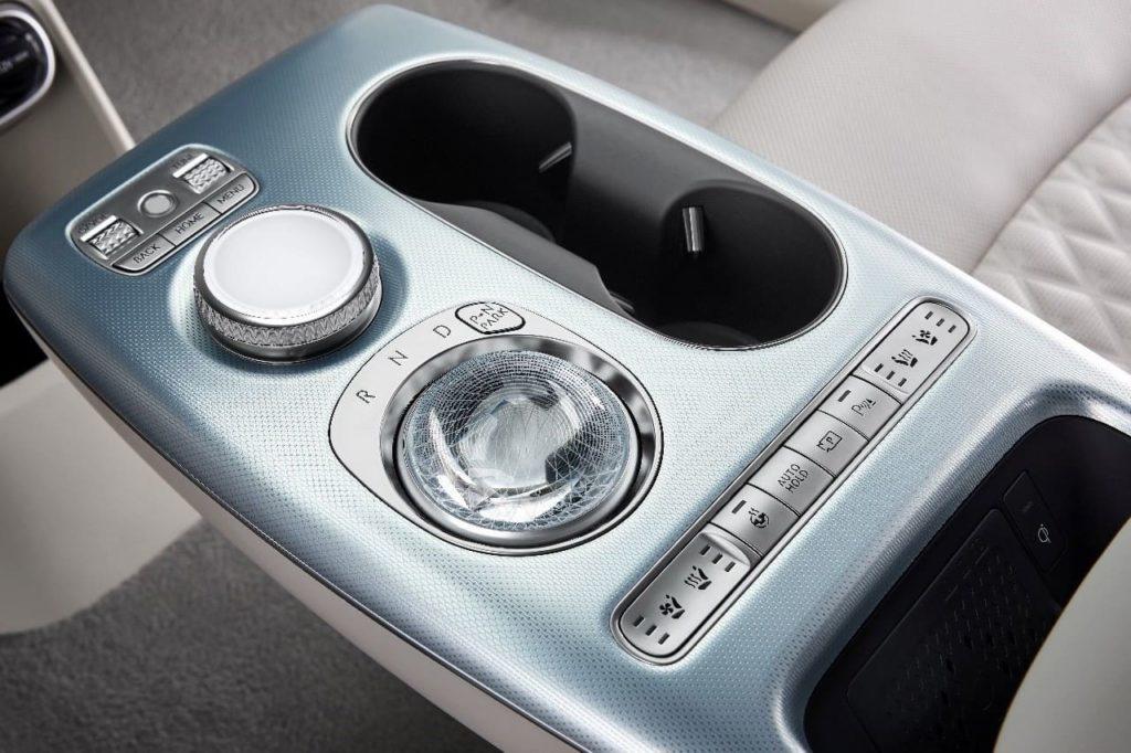 Genesis GV60 gear selector