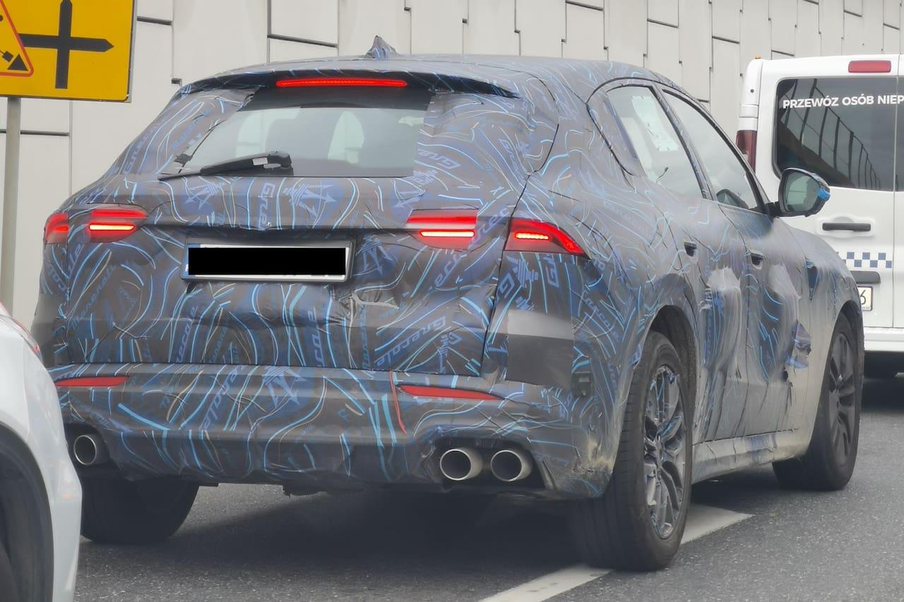 Maserati Grecale rear spy shot